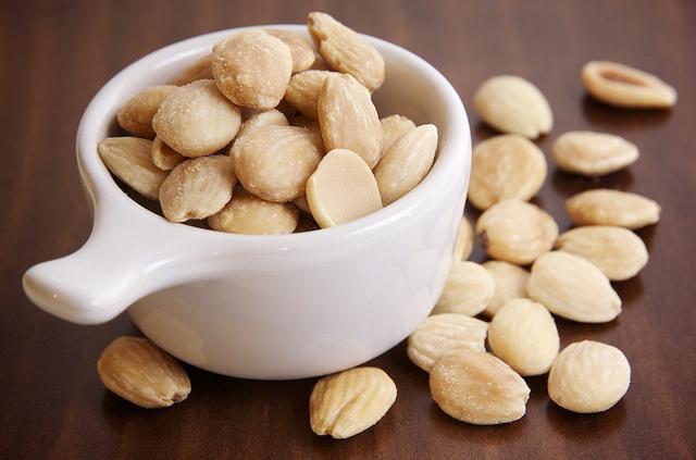 9 Foods That Reduce Cravings