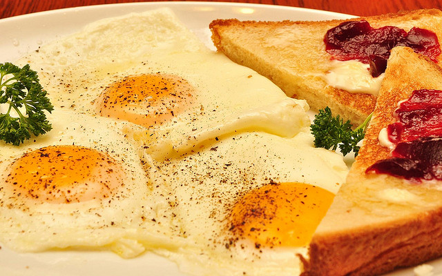 Why You're Still Hungry After Breakfast