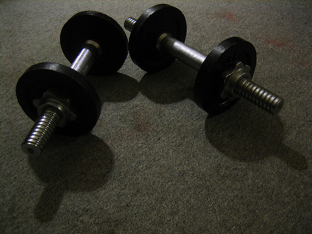 Sermorelin vs. HGH for Bodybuilding
